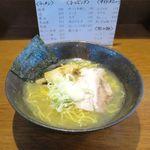 らーめんさる家 - 塩ラーメン(650円)