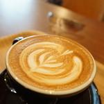 オニヤンマ コーヒー&ビア - カフェラテ