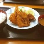 亀山トラックステーション  - ミックスフライ定食