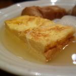 赤玉 本店 - 抜群に美味いたまご焼き!出汁が効いた薄塩加減のスープと抜群なコラボ