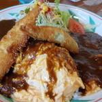Sunorasukaru - 鳥取カレー  豆腐ちくわのフライがのったオムカレーです