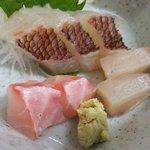 次郎長寿司 - 上品な刺身に満足w