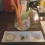 銀座 BAL KAKA - 野菜スティック‼️ 特に柚子胡椒がピリッと辛くて美味い(^_^)