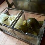 チーズ アンド オリーブ - ピクルス