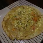 49677911 - 紅ズワイガニの蟹味噌入りクリームピッツァ:1,010円