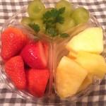 キノクニヤ アントレ - カットフルーツ(3種盛り)