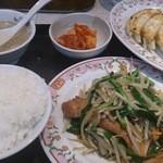 餃子の王将 - ニラレバ定食+6個餃子