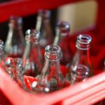 ドライブイン七輿 - 売れてるようです。瓶で飲むコーラは一番美味しい♪