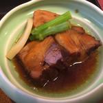 味のなかがわ - 豚角煮のアップ
