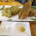 日本酒酒場立呑み 仁 - 天ぷら(なす、大葉)