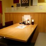 とんかつ かつ楽 - テーブル席