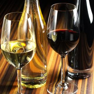 種類豊富な日替わりのグラスワインを飲み比べ!