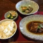 古都蕗 - 屋久島の郷土料理が並びます