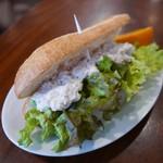 コンレチェ - サンドイッチ(460円)ツナサラダ