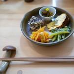つなぐ食堂 - きまぐれおそうざいセット(200円)