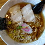 中華そば おおつか   - 料理写真:中華そば(\550税込み)スープは煮干と丸鶏かもです