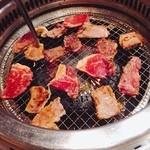 焼肉きんぐ - 料理写真:火力強!