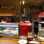 PIZZA SALVATORE CUOMO - 赤々と燃えるピッツァ窯