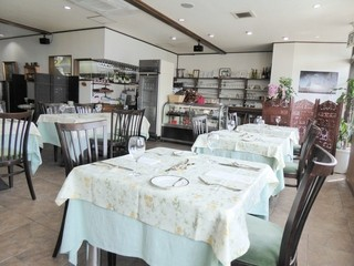 フランス食堂 シェ・モア - 店内の様子