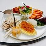 49721300 - 季節の六種冷菜盛り合わせ