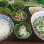 昼定食<税込>850円(2016.04.07)