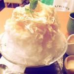 茶寮 煉 - 生桃みるく氷