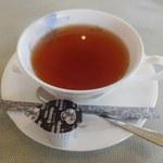 レストラン グリーンパーク - 食後ドリンクは150円 ホットの紅茶