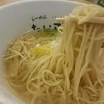 49726351 - 麺は細麺