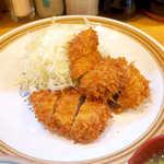 とんかつ武蔵 - 鹿児島黒豚を使用。サクッと軽やかで、ラードの甘い香りが広がる
