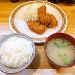 とんかつ武蔵 - ひれかつ定食(¥980)。ランチとはいえ、この値段はお得感あり!