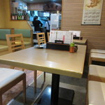 信濃庵 - まだ12時前だったんで少し席には余裕がありましたがさすが赤坂の店、12時には満席になりました。