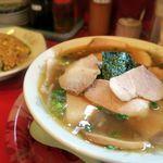 勝っちゃんラーメン - 料理写真:チャーシューメン(醤油)のAセット(チャーハン)1100円