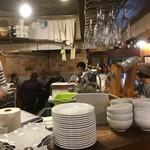 イタリアン&肉バル 北の国バル - kitanokunibaru:店内