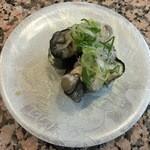 海転寿司シーランド - 牡蠣、260円です。