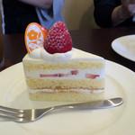 49730279 - いちごのショートケーキ