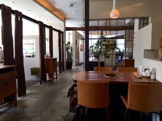 ぴょんぴょん舎  GINZA UNA - 開放感あり、都会的な空間!