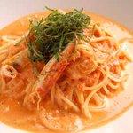 NOS - ずわい蟹のトマトクリームパスタ