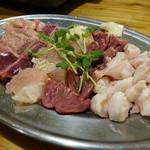 丸二商店 - ☆陶板焼きの鶏肉盛り合わせ(*^。^*)☆