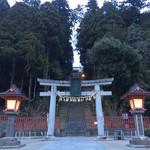 すし哲 - 塩竈神社の鳥居