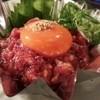 炭火焼肉 華苑 - 料理写真:焼きユッケ@¥980