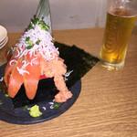 49763061 - こぼれ寿司ハーフとビール