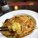 リトルチャイナ - 酸辣炒麺(サンラー焼きそば)H28.4月登場の新メニューです。