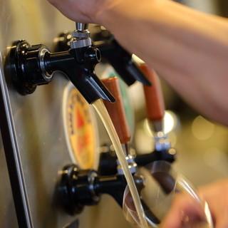 キンキンに冷えた爽快な飲み心地。『樽生ビール』で乾杯