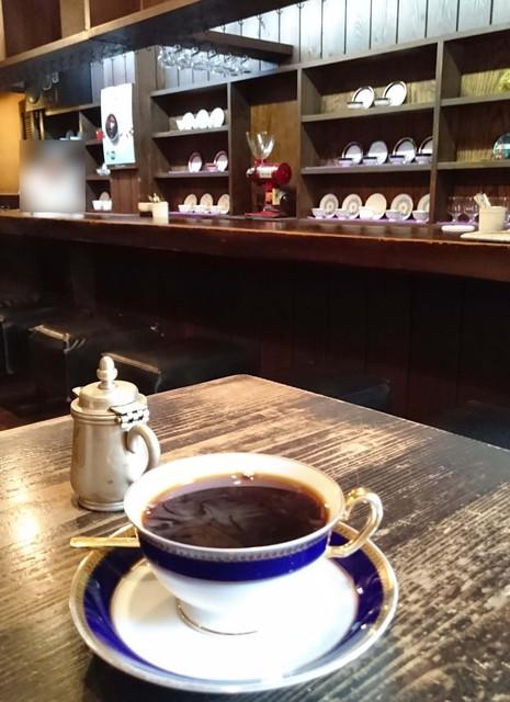 けらっぽ - 注文を受けるたびに豆を挽いて淹れられるコーヒー