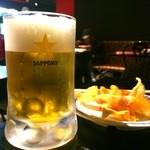 49768154 - サッポロ生ビール黒ラベル〈中ジョッキ〉