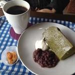 北蔵カフェ ひがの   - 抹茶シフォンケーキ