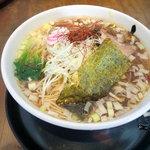 自家製拉麺 まつかぜ - デフォのラーメンを醤油で(プラスねぎ)