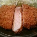 富山豚食堂 かつたま - 極上ロースカツ定食特大250g(税別1690円)