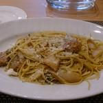 ピアットキタミ - 豚バラ肉と白菜の山椒風味のオイルパスタ