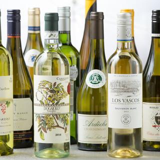 和食に合うワインや日本酒を中心に種類豊富に御用意致します